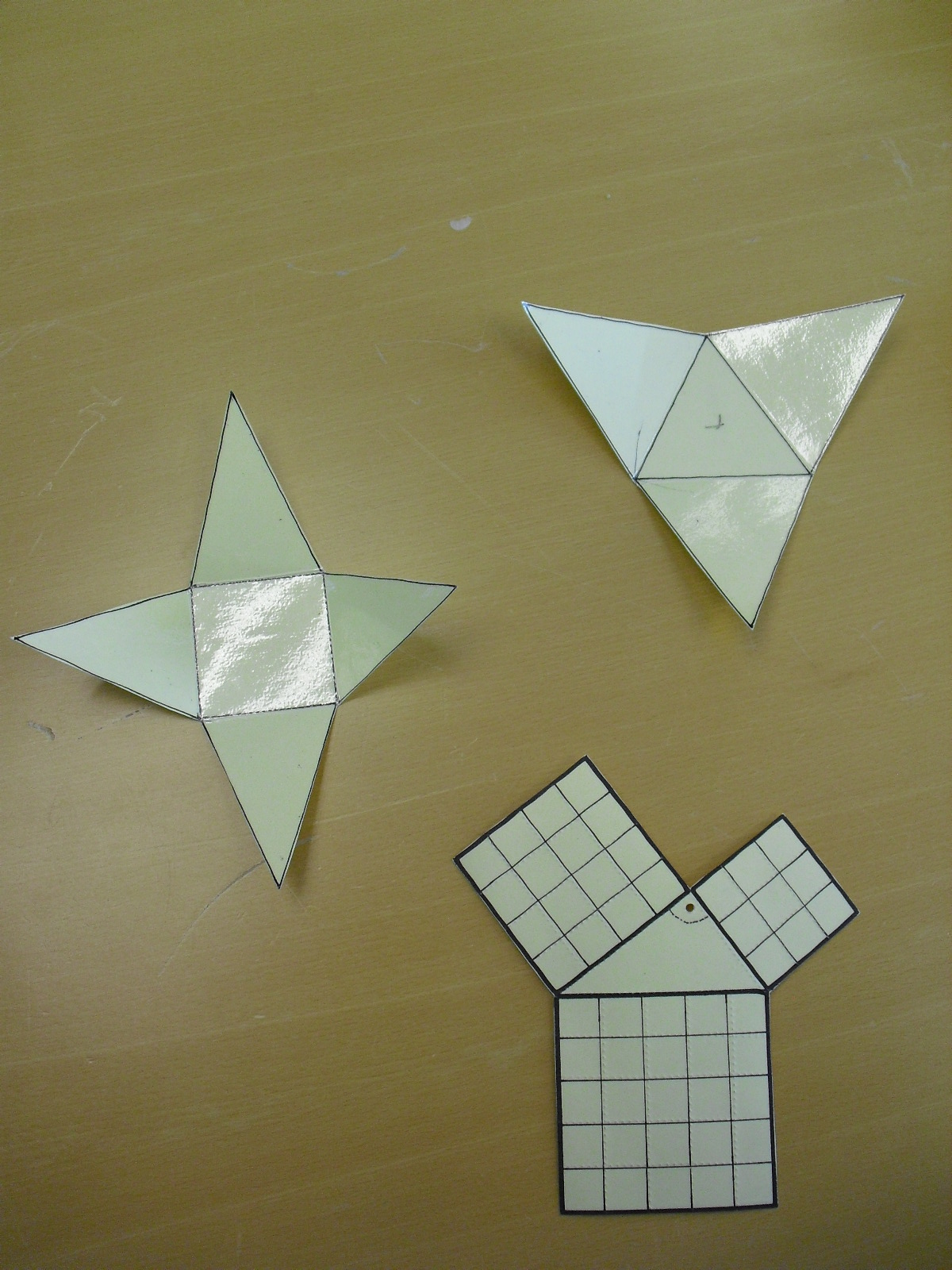 Homemade foldouts of pyramids and Phytagorean theorem