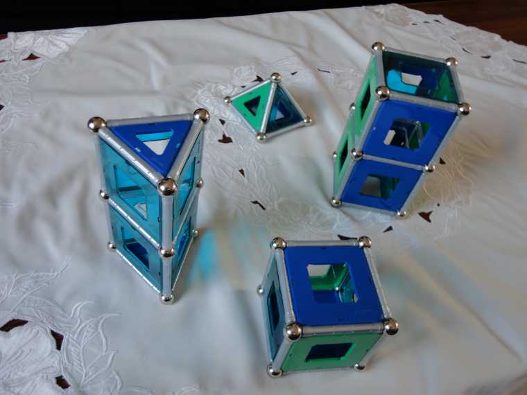 'Geomag' building toys